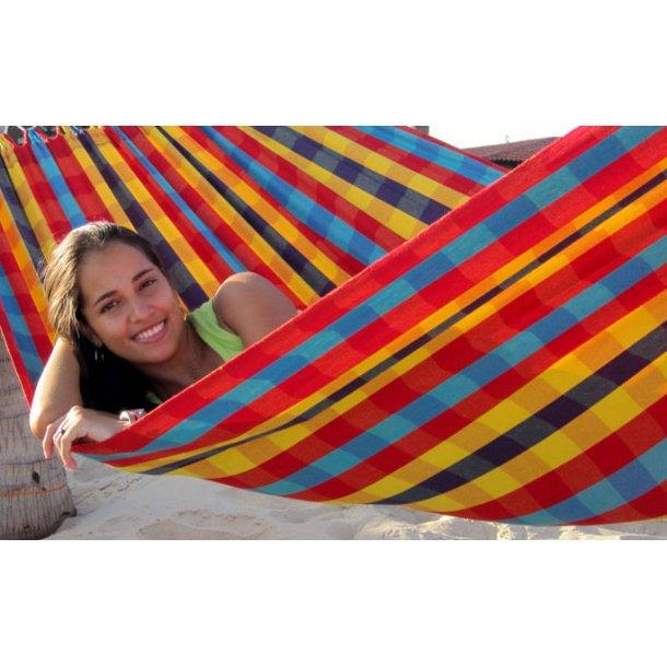Lille hængekøje til 1 person i festligt farverigt ternet stof